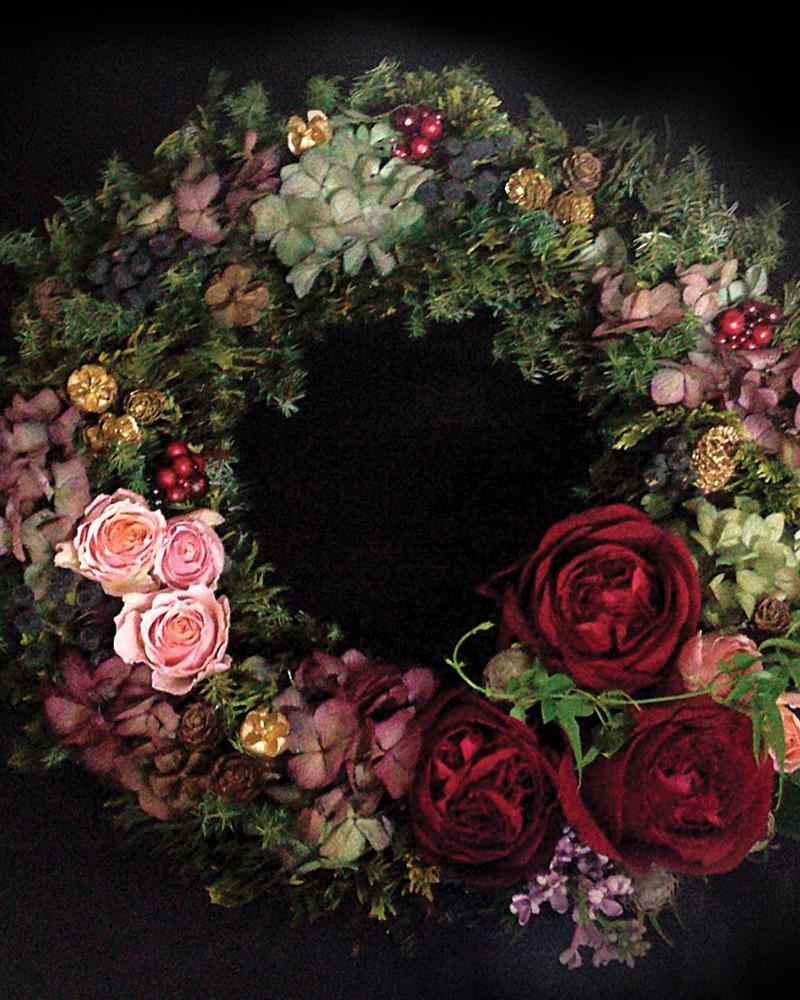 Visuel pour l'artiste floral Saori Sugiura crée Keys-Studio à partir d'une de ses composition florales.